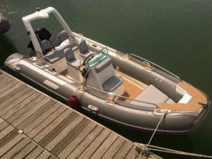 China Luxury Rigid Inflatable Boat 5.2 Meter Length 1.95 Meter Width YAMAHA 90HP Engine on sale