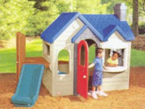 China Custom Clean Cubby House Design for Childrens Play Center with Swing on sale