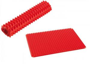 China Protable Red Pyramid Silicone Kitchenware Mat 40*30 Cm Easy To Storage on sale