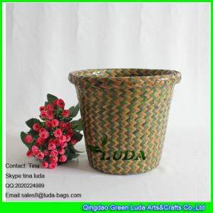 China LUDA mixed color hand woven seagrass straw storage basket small sundries basket on sale