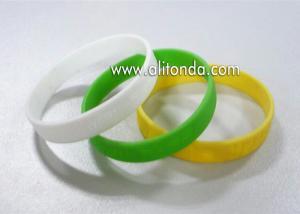 China Factory Supply Rubber Wrist Band Men Bracelet Custom Silicon Wristband  festival custom embossed silicone wristband on sale