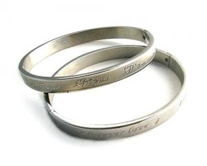 China stainless steel silver bangle from China wholesale with high quality on sale