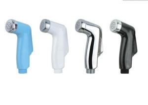 China Arme à feu en plastique de jet d'eau pour la toilette on sale