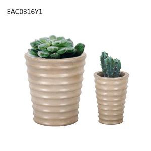 China Streak Cement Flower Vase / Home Yard Concrete Flower Pots With Drainer on sale