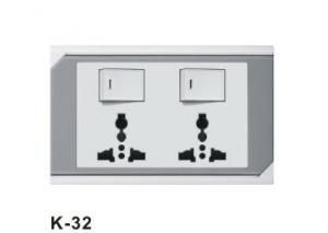 China Middle East type 10A 250V multi purpose Universal used switched electrical wall socket on sale