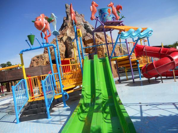 Outdoor Swimming Pool Huge Kids Water Playground , Spray ...