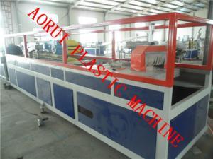 China Línea plástica de la protuberancia de la barandilla, extrusor compuesto plástico de madera del perfil del Decking on sale