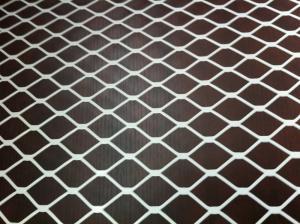 China Malla metálica ampliada aplanada cubierta PVC blanca para el refuerzo de acero on sale