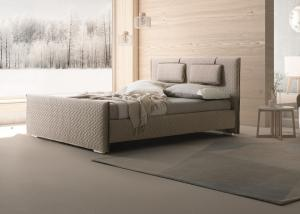 China MFC / MDF Material Modern Upholstered Bed / Soft Fabric King Queen Bed on sale