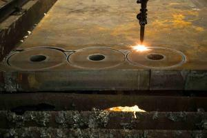 China Chrome chapeou as peças da máquina de corte do laser da fabricação de chapa metálica do carbono on sale
