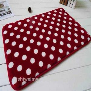 China White dots pattern coral fleece bath mat with memory foam on sale