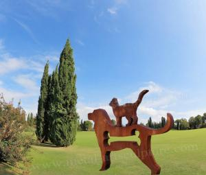China Dog Statue Corten Steel Sculpture As Outdoor Decoration , Metal ODM Design on sale