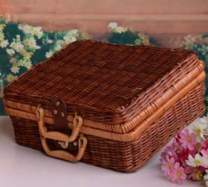 China Outdoor Natural Rattan Picnic Basket on sale