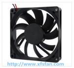 ventilateur sans brosse en plastique DC8015 de noir de C.C 12V/24V de 80*80*15mm