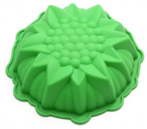 China Bakeware Silicone Cupcake Liners Three Dimensional DIY 8 Inch Green Color on sale