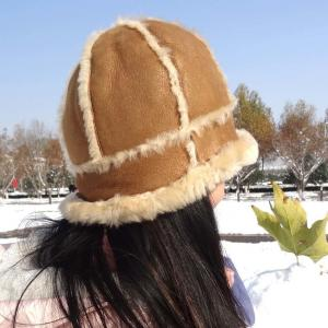 China Merino Sheepskin Ladies Hat Soft Fashion Real Shearing Double Face For Unisex on sale