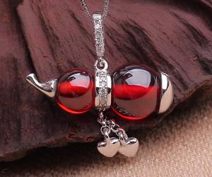 China Natural Garnet gourd pendant 925 sterling silver necklace, gemstone silver necklace on sale