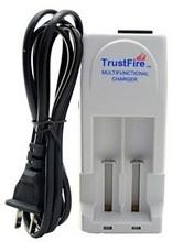 China Hot Seller AA Battery Charger Universal Rechargebale Li-ion 3.7v Battery Charger on sale