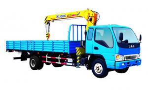 China Cargo Mobile Crane Truck 3.2 Ton, XCMG Truck With Crane on sale
