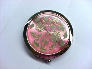 China Custom Shaped Pocket Make Up Mirrorr For Travel , Eco Friendly Vintage Compact Mirror on sale