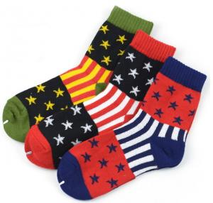 China High quality colorful striped star design knitted mid calf cotton men dress socks on sale