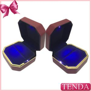 China Unique Antique LED Lighting Leather Rubber Painting Proposal Wedding Engagement Ring Box with Lights on sale