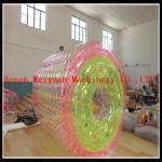China La soudure colorée d'air chaud de PVC1.2MM 2.2m flottant des enfants joue la boule de commande gonflable colorée de l'eau pour la piscine d'eau wholesale