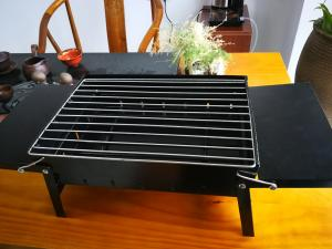 China Compact Indoor Tabletop Charcoal BBQ Grill For 1-5 People Applicable Number on sale