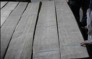 China Solid Poplar Lumber Ash Wood Veneer Sheet Quarter Cut AA Grade on sale