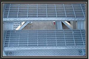 China Welded electric galvanized aluminum or AS3679 stainless steel bar grate for stair treads on sale