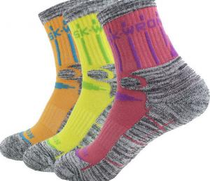China padded running socks on sale