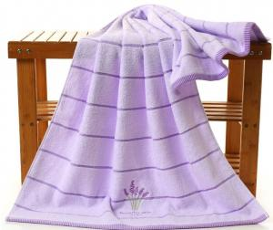 China Embroidered Lavender Bath Towel For Adults , 70 * 140cm Oversized Bath Towels  on sale