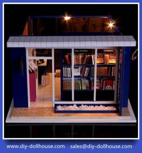China Diy wooden dollhouse mini glass dollhouse miniature room box model building cottage T001 on sale