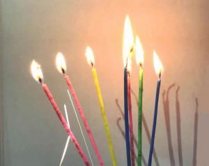 China Special Magic Relighting Birthday Candles / Tall Skinny Birthday Cake Candles for Decoration on sale