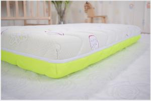China Memory Foam Baby Bed Mattress Fire Retardant Water Resistant Protect Spine on sale