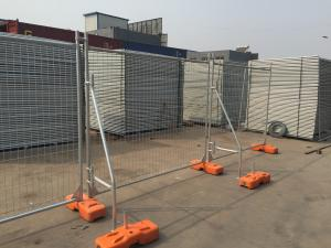 China OD 48 post temp fencing for sale 2100mm x 2400mm width mesh opening :60mm x 150mm diameter 4.00mm UV treatment block on sale
