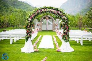 China Handmade Wedding Arch Decorations , Faux Blossom Trees With Green Leaf on sale