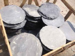 China Black Slate Round Stepping Stones Garden Paving Stones Back Yard Stone Pavers Slate Patio Stone on sale