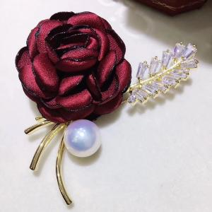 China 9-10mm  Luxury Genunie South Sea Black Pearl Brooch with Silver 925 Plated 18K Gold Butturfly Pin in yellow gold color on sale