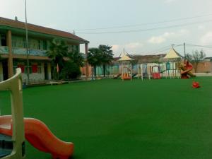 China Green Artificial Grass Carpet UV Resistant Artificial Grass Mats on sale