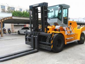 China 20 Ton Forklift Equipment Rental , Heavy Duty Forklift For Stations Chinese Engine on sale