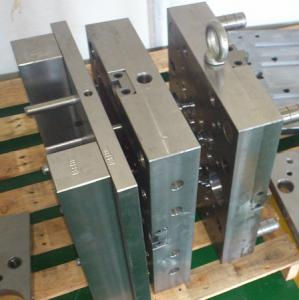 China Cosmetic Package Hot Runner Custom Injection Mold Maker SKD-11 / SKD-61 on sale