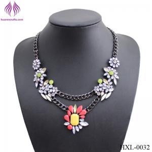 China Fashion Lady elegant color resin flower necklace on sale