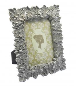 China Gold Leaf Design Antique Style Photo Frames With Picture Ornate Velvet Easel 4x6 on sale