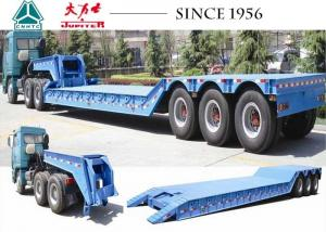 China Hydraulic 3 Axle Low Loader Trailer Custom Dimension With Detachable Gooseneck on sale
