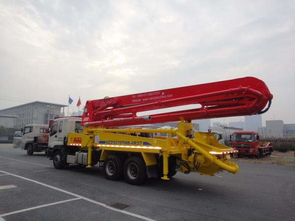 6x4 Mobile 37m Concrete Pump Truck with Germany Rexroth