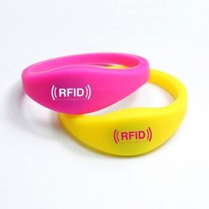 China UHF 860-960MHz adjustable waterproof silicon rfid wristband / bracelet / wrist band on sale