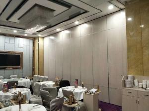 China Melamine Surface Operable Acoustic Room Dividers For Restaurant / Sliding Partition Wall on sale