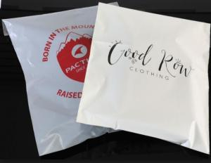 China Strong Adhesive Tear Proof Plastic Pouch Packaging Custom Poly Mailers For Garment on sale