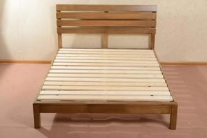 China Home Economic Cherry Solid Wood Bed Frame Queen Size European Style High Grade on sale